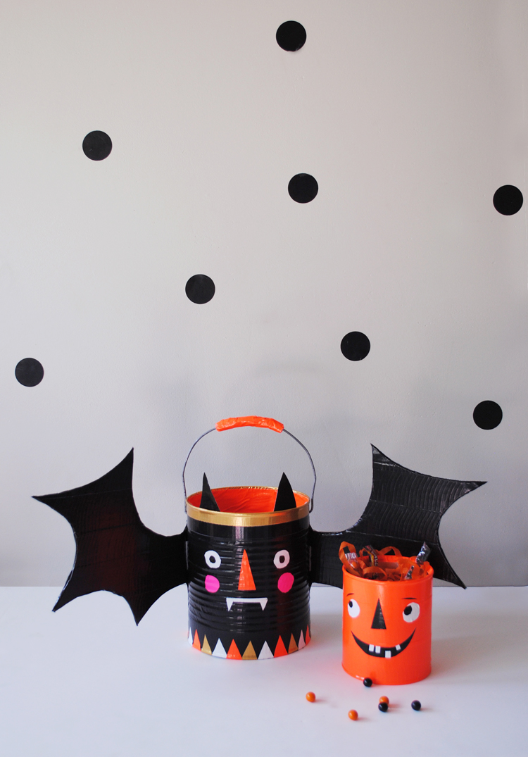 Trick Or Treat Candy Buckets Mer Mag