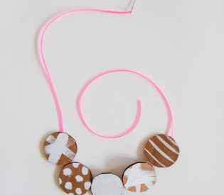 DIY Carboard Necklace