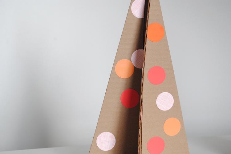 Cardboardchristmastreezoom