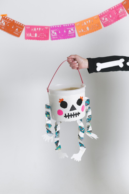 Diy Glow In The Dark Skeleton Treat Bucket Mer Mag