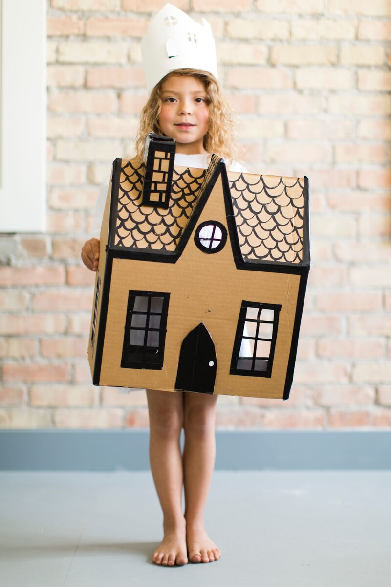 Mer Mag Cardboard House and Crown