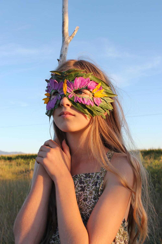 Floral Leaf Mask | Mer Mag