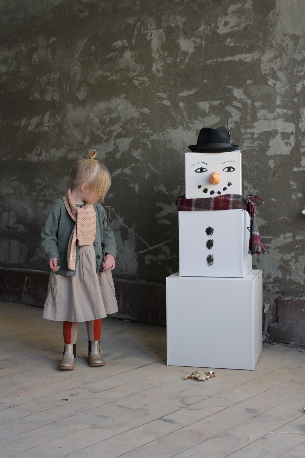 Life Size Snow Man Gift Boxes | Mer Mag