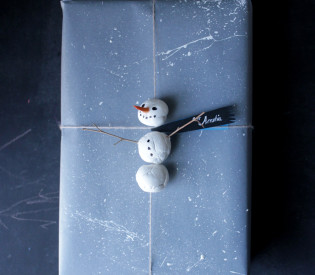 snowmangifttopper_mermag2